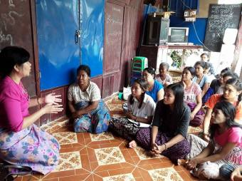 Introducing the project at Htan-taw village