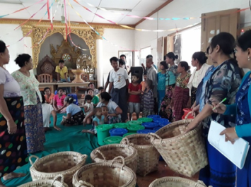Meeting with household leaders and delivering the baskets at Oh-Bo village