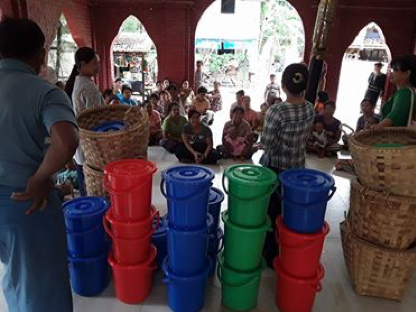 Meeting with household leaders and delivering the baskets at Taungthaman village